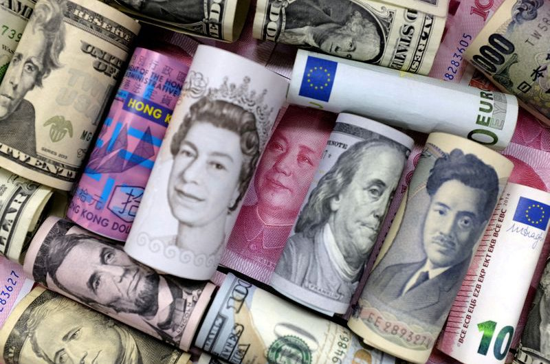 Euro slumps and yen gains as markets fret over global recovery trajectory