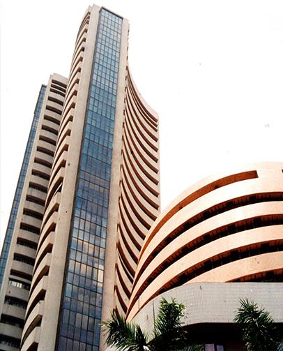 Sensex Sheds Over 400 Points, Financial Stocks Trade Weak